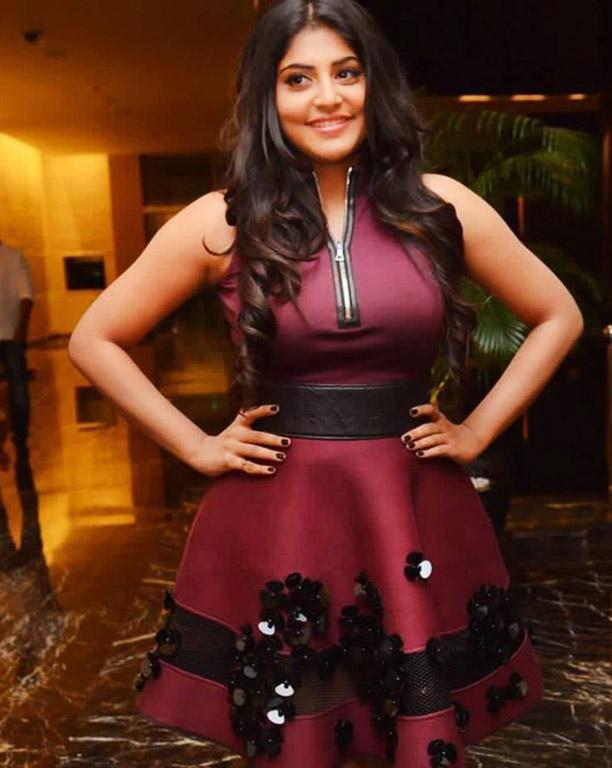 Manjima Mohan Actress Photos Stills Gallery