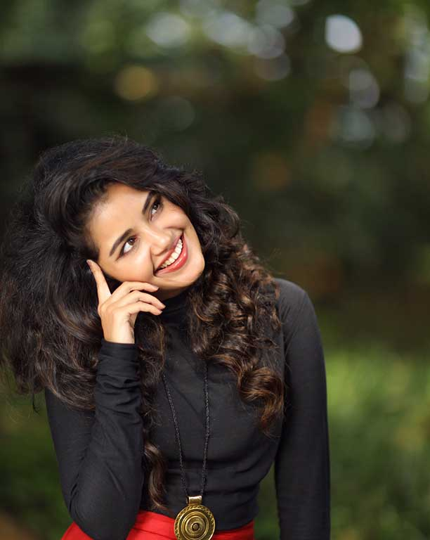 Anupama Parameswaran latest images gallery,