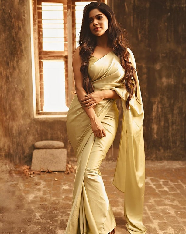 Divyabharathi Photos - Tamil Actress photos, images, gallery, stills and clips