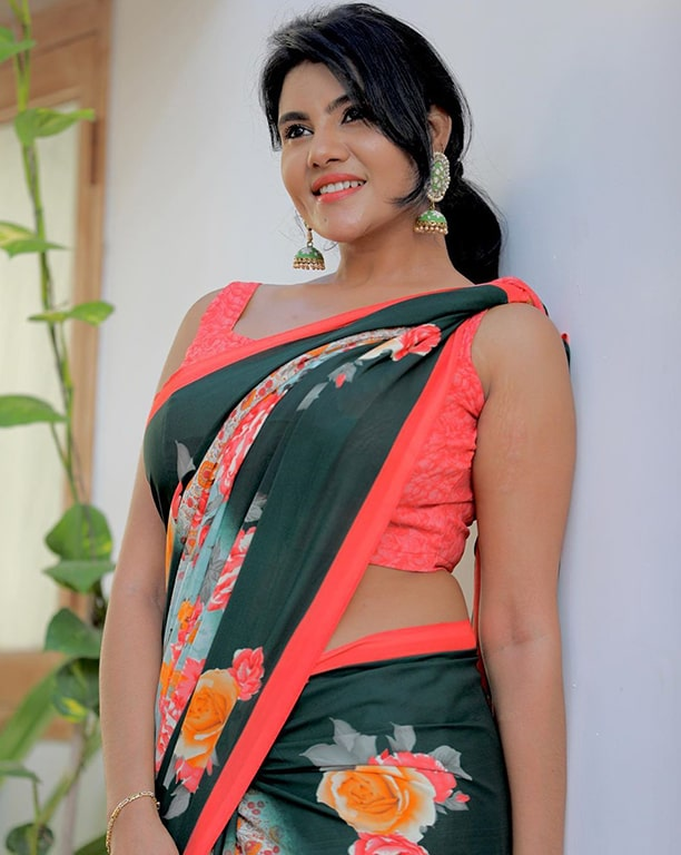 Nivisha photo; nivisha actress gallery; Nivisha; Actress serial nivisha , nivisha stills, vijay tv nivisha Black dress; nivisha